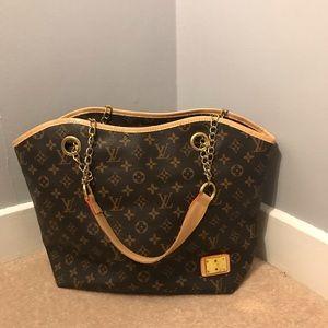 Classic Monogram Large Fashion Shoulder Bag